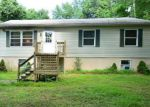 Foreclosed Home en LAUREL LAKE RD, Bartonsville, PA - 18321