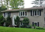 Foreclosed Home en BRODIN DR, Hope Valley, RI - 02832