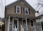 Foreclosed Home en BRADFORD ST, Woonsocket, RI - 02895
