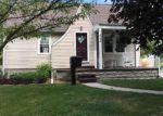 Foreclosed Home en SCHUERMANN ST, Essexville, MI - 48732