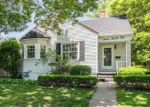 Foreclosed Home en BROWN ST, Bettendorf, IA - 52722
