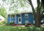 Foreclosed Home en N SEARS BLVD, Grayslake, IL - 60030