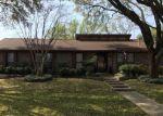 Foreclosed Home en SAN ANTONE LN, Lewisville, TX - 75077