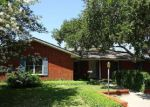 Foreclosed Home en BLUEFIELD DR, Corpus Christi, TX - 78413