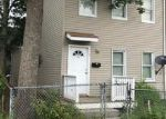 Foreclosed Home en COMMERCIAL AVE, New Brunswick, NJ - 08901