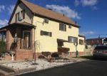 Foreclosed Home en DENNIS PL, Linden, NJ - 07036