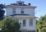 Foreclosed Home en S JOSEPH ST, Westerly, RI - 02891