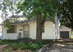 Foreclosed Home en W MAPLE ST, Champaign, IL - 61820
