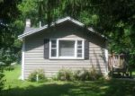 Foreclosed Home en CHICAGO AVE, Crystal Lake, IL - 60014