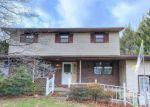 Foreclosed Home en SANTEE RD, Bethlehem, PA - 18020