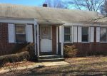 Foreclosed Home en GREAT HILL RD, East Hartford, CT - 06108