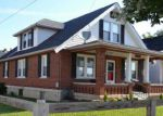 Foreclosed Home en E 39TH ST, Latonia, KY - 41015