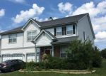 Foreclosed Home en W CALDWELL DR, Round Lake, IL - 60073