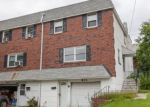 Foreclosed Home en GARY LN, Norristown, PA - 19401