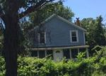 Foreclosed Home en GREENE AVE, Barrington, RI - 02806