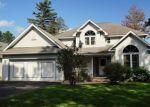Foreclosed Home en SUMMIT DR, Mount Pocono, PA - 18344