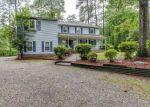 Foreclosed Home en LORNA DOONE DR, Yorktown, VA - 23692