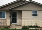 Foreclosed Home en W GREEN TREE RD, Milwaukee, WI - 53223