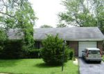 Foreclosed Home en BERKSHIRE DR, Hanover Park, IL - 60133