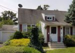 Foreclosed Home en SUMMIT TER, Linden, NJ - 07036
