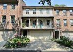 Foreclosed Home en STONE MANOR CIR, Batavia, IL - 60510