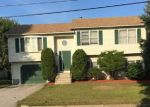 Foreclosed Home en KEARNEY ST, Cranston, RI - 02920