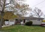 Foreclosed Home en ALBANY ST, Deer Park, NY - 11729