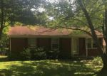 Foreclosed Home en JOYCE DR, Crestwood, KY - 40014