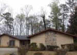 Foreclosed Home en GOLF VALLEY CT, Stone Mountain, GA - 30088