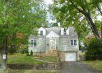 Foreclosed Home en WOODSIDE AVE, Bridgeport, CT - 06606