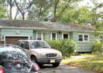 Foreclosed Home en OAKSIDE DR, Toms River, NJ - 08755