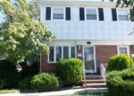 Foreclosed Home en CHESTERTON AVE, Staten Island, NY - 10306