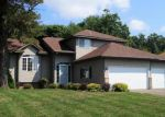Foreclosed Home en GOLDFINCH AVE, Wyoming, MN - 55092