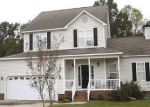 Foreclosed Home en BLUE GARDEN LN, Willow Spring, NC - 27592