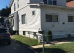 Foreclosed Home en COUNTRY CLUB RD, Bronx, NY - 10465