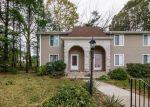 Foreclosed Home en MARIGOLD CIR, Providence, RI - 02904