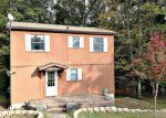 Foreclosed Home en GOLD KEY RD, Milford, PA - 18337