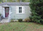 Foreclosed Home en CHURCHILL RD, Cherry Hill, NJ - 08034