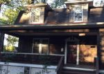 Foreclosed Home en LAWINA RD, Baltimore, MD - 21216