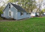 Foreclosed Home en N 7TH AVE, Spring Grove, IL - 60081