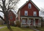 Foreclosed Home en WEST ST, Pittsfield, ME - 04967