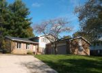 Foreclosed Home en COLONIAL PKWY NE, Massillon, OH - 44646