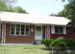 Foreclosed Home en FENWOOD AVE, Oxon Hill, MD - 20745