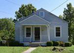 Foreclosed Home en SANDERS DR, Florence, KY - 41042