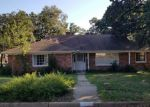 Foreclosed Home en MONTERREY DR, Fort Worth, TX - 76112