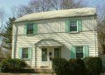 Foreclosed Home en MACARTHUR DR, Edison, NJ - 08837