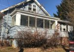 Foreclosed Home en S PINE ST, Fords, NJ - 08863