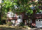 Foreclosed Home en HILTON DR, East Hartford, CT - 06118