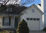 Foreclosed Home en LIBERTY VILLAGE DR, Florissant, MO - 63031