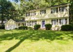 Foreclosed Home en ROLLINGWOOD DR, North Kingstown, RI - 02852
